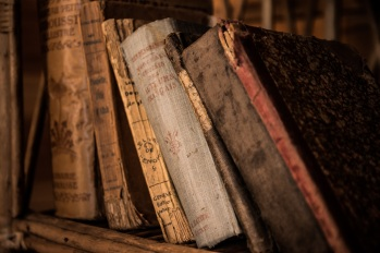 old-books-436498